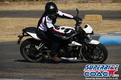 superbikecoach_corneringschool_2019novemeber03_GroupB_3