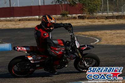 superbikecoach_corneringschool_2019novemeber03_GroupC_3