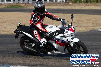 superbikecoach_corneringschool_2019novemeber03_GroupC_15