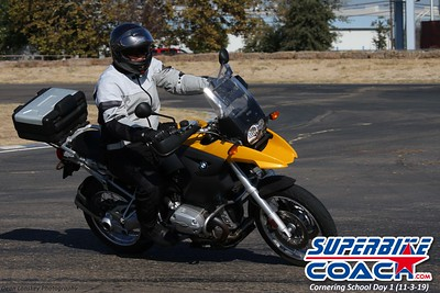 superbikecoach_corneringschool_2019novemeber03_GroupC_13