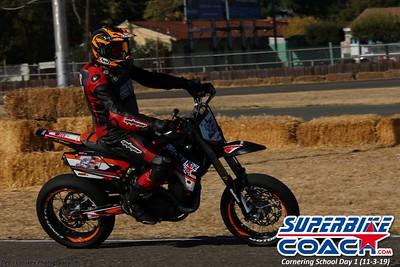 superbikecoach_corneringschool_2019novemeber03_GroupC_2