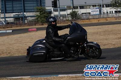 superbikecoach_corneringschool_2019novemeber03_GroupC_28
