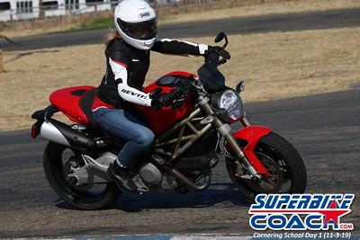 superbikecoach_corneringschool_2019novemeber03_GroupC_26
