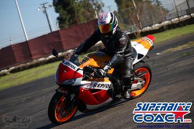 superbikecoach_corneringschool_2018december0218_25