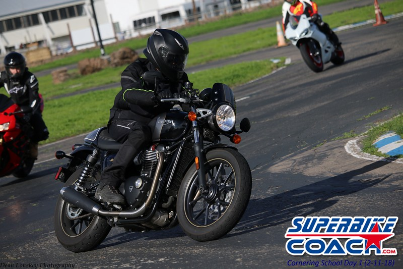 superbikecoach_corneringschool_2018_feb11_39