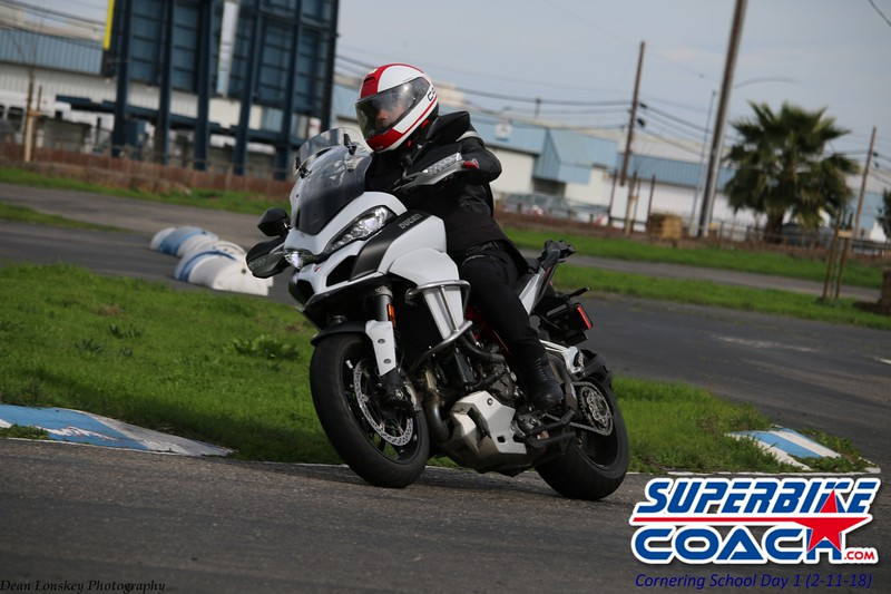 superbikecoach_corneringschool_2018_feb11_24