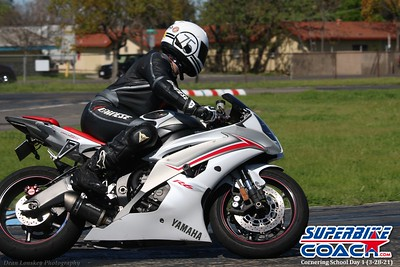 Superbike-coach Cornering School Day 1