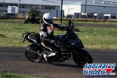 superbikecoach_corneringschool_2019june02_AfterSchool_19