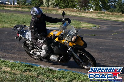 superbikecoach_corneringschool_2019june02_AfterSchool_23