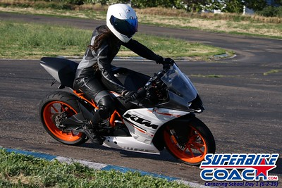 superbikecoach_corneringschool_2019june02_AfterSchool_28