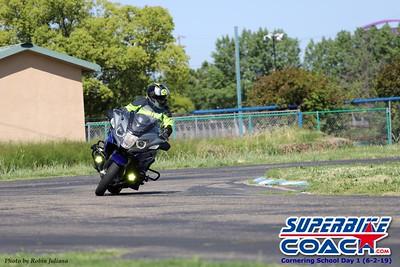 superbikecoach_corneringschool_2019june02_GroupA_RJ_26