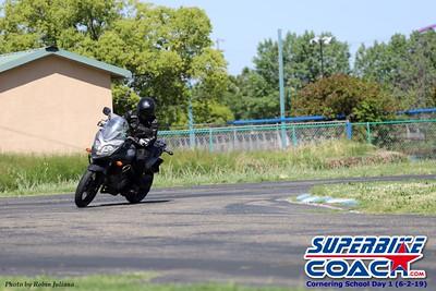 superbikecoach_corneringschool_2019june02_GroupA_RJ_20
