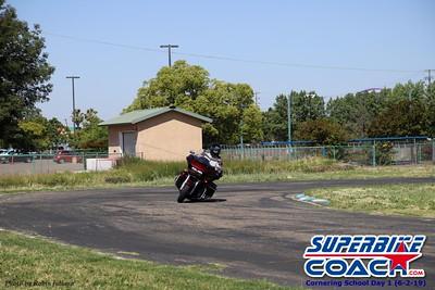 superbikecoach_corneringschool_2019june02_GroupA_RJ_5
