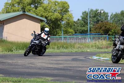 superbikecoach_corneringschool_2019june02_GroupA_RJ_10