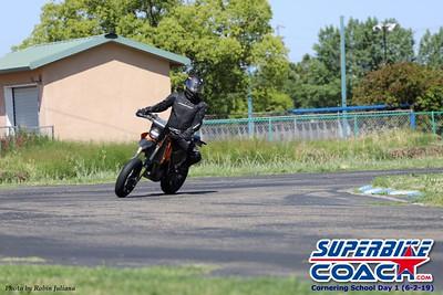 superbikecoach_corneringschool_2019june02_GroupA_RJ_14
