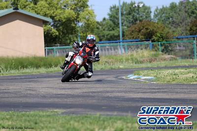 superbikecoach_corneringschool_2019june02_GroupA_RJ_21