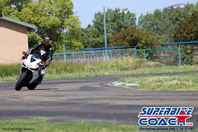 superbikecoach_corneringschool_2019june02_GroupA_RJ_24
