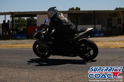superbikecoach_corneringschool_2020_july12_GroupA_8