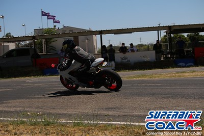 superbikecoach_corneringschool_2020_july12_GroupA_16