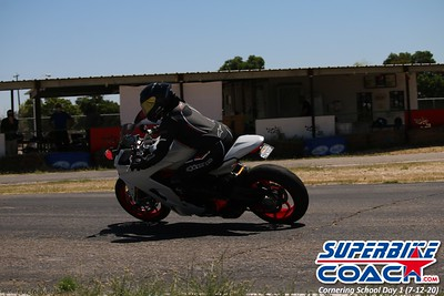 superbikecoach_corneringschool_2020_july12_GroupA_15