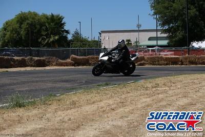 superbikecoach_corneringschool_2020_july12_GroupA_6