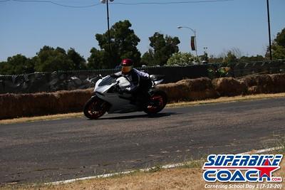 superbikecoach_corneringschool_2020_july12_GroupA_18