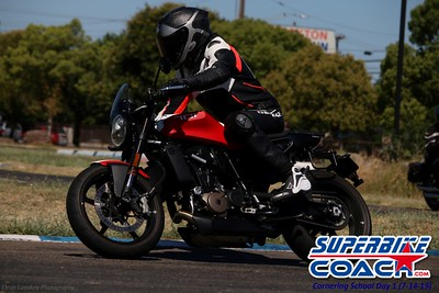 superbikecoach_corneringschool_2019july14_FeaturePics_10