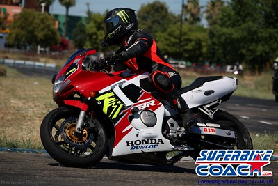 superbikecoach_corneringschool_2019july14_FeaturePics_11