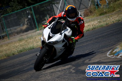 superbikecoach_corneringschool_2019july14_FeaturePics_28