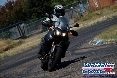superbikecoach_corneringschool_2019july14_FeaturePics_27