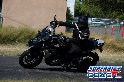 superbikecoach_corneringschool_2019july14_FeaturePics_8