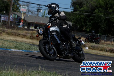 superbikecoach_corneringschool_2019july14_FeaturePics_15