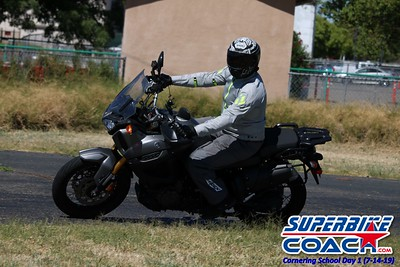 superbikecoach_corneringschool_2019july14_GroupA_26