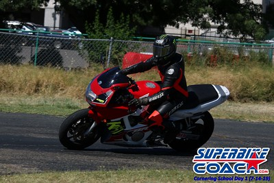 superbikecoach_corneringschool_2019july14_GroupA_23