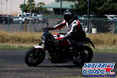superbikecoach_corneringschool_2019july14_GroupA_14