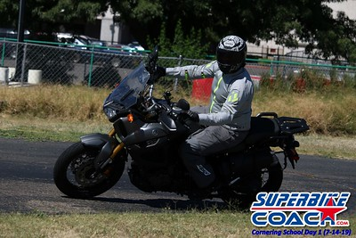 superbikecoach_corneringschool_2019july14_GroupA_27