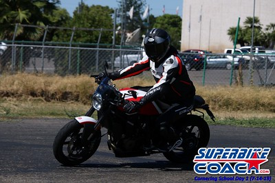 superbikecoach_corneringschool_2019july14_GroupA_15