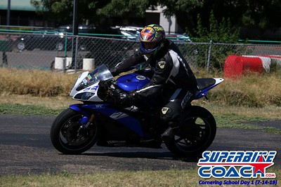 superbikecoach_corneringschool_2019july14_GroupA_12