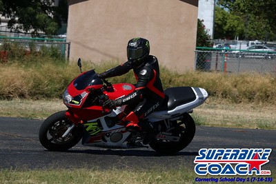 superbikecoach_corneringschool_2019july14_GroupA_22