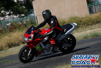 superbikecoach_corneringschool_2019july14_GroupA_7