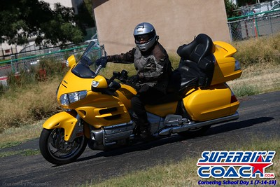 superbikecoach_corneringschool_2019july14_GroupA_4