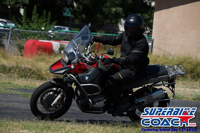 superbikecoach_corneringschool_2019july14_GroupB_25