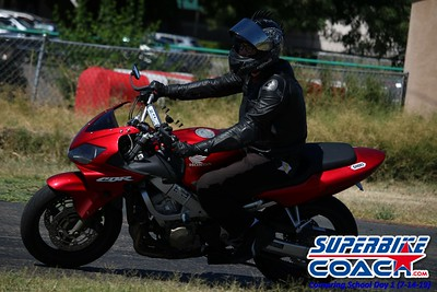 superbikecoach_corneringschool_2019july14_GroupB_11