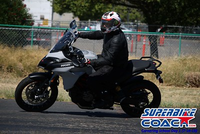superbikecoach_corneringschool_2019july14_GroupB_6
