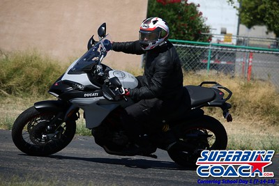 superbikecoach_corneringschool_2019july14_GroupB_26