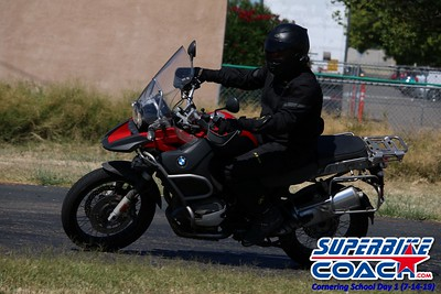 superbikecoach_corneringschool_2019july14_GroupB_5