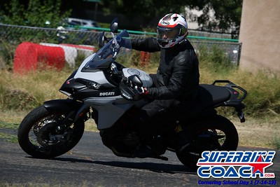 superbikecoach_corneringschool_2019july14_GroupB_27