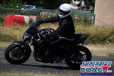 superbikecoach_corneringschool_2019july14_GroupB_14