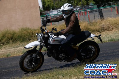 superbikecoach_corneringschool_2019july14_GroupC_4