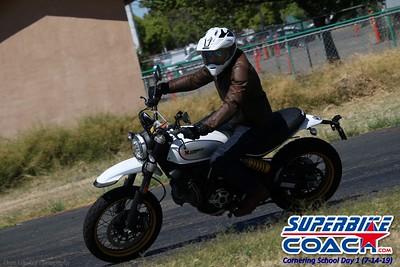 superbikecoach_corneringschool_2019july14_GroupC_22